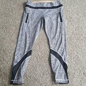 EUC lululemon luxtreme leggings 7/8 length Size 8
